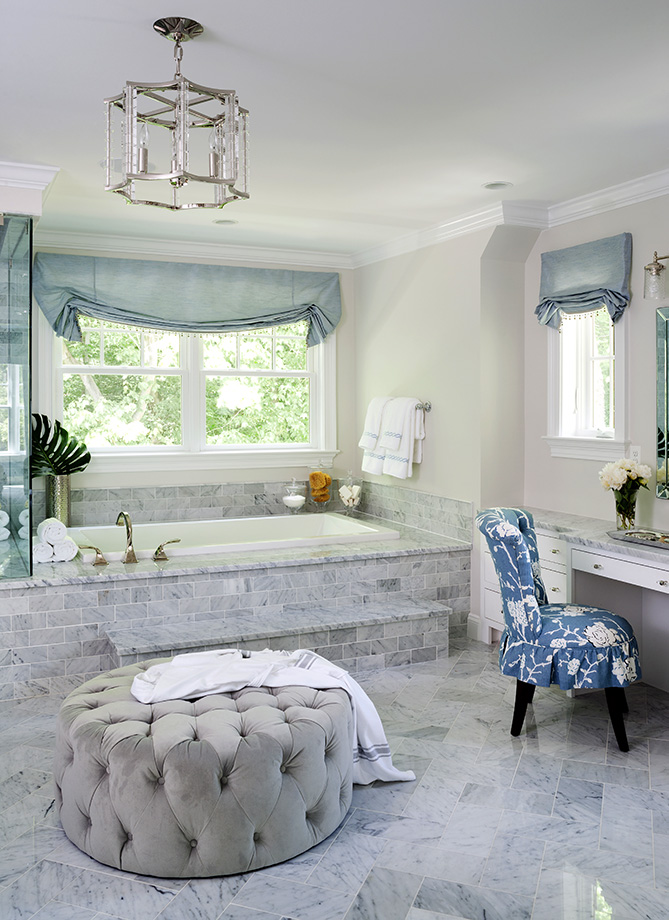 A luxurous and spacious bathroom